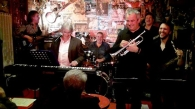 Philippe Slominski trompette, Julien Raffin sax, Pascal Bret guitare, Philippe Mouton basse